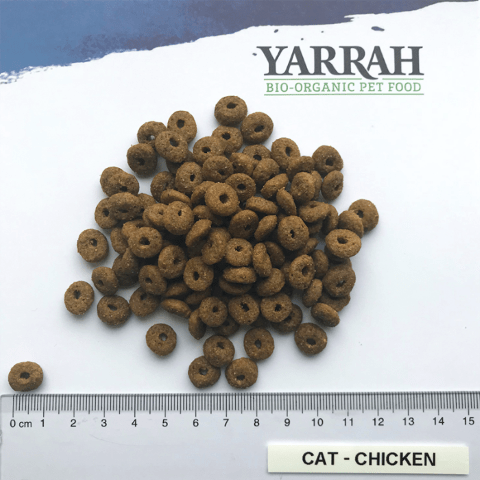 Filova katten en honden Yarrah Adult Cat Food Met Kip hoe groot zijn de brokjes